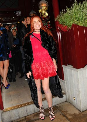 Lindsay Lohan - Leaving Lou Lous Members Club in London