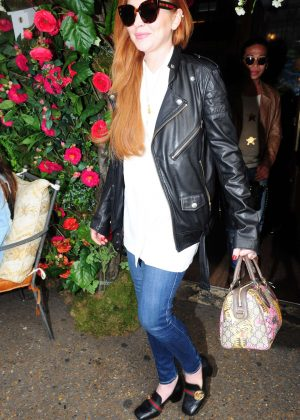 Lindsay Lohan Leaving the Ivy Chelsea Garden in London