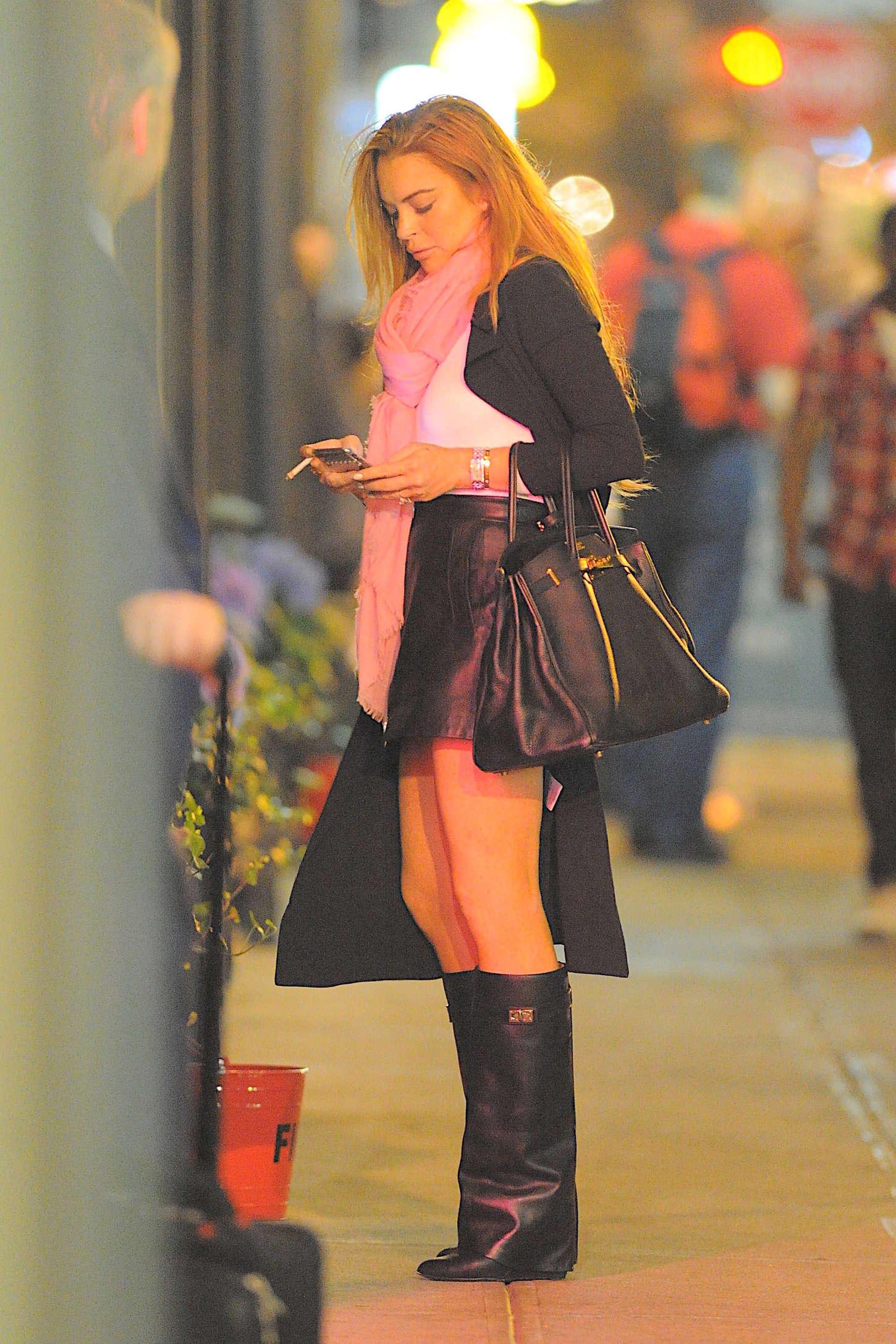 Lindsay lohan mini skirt