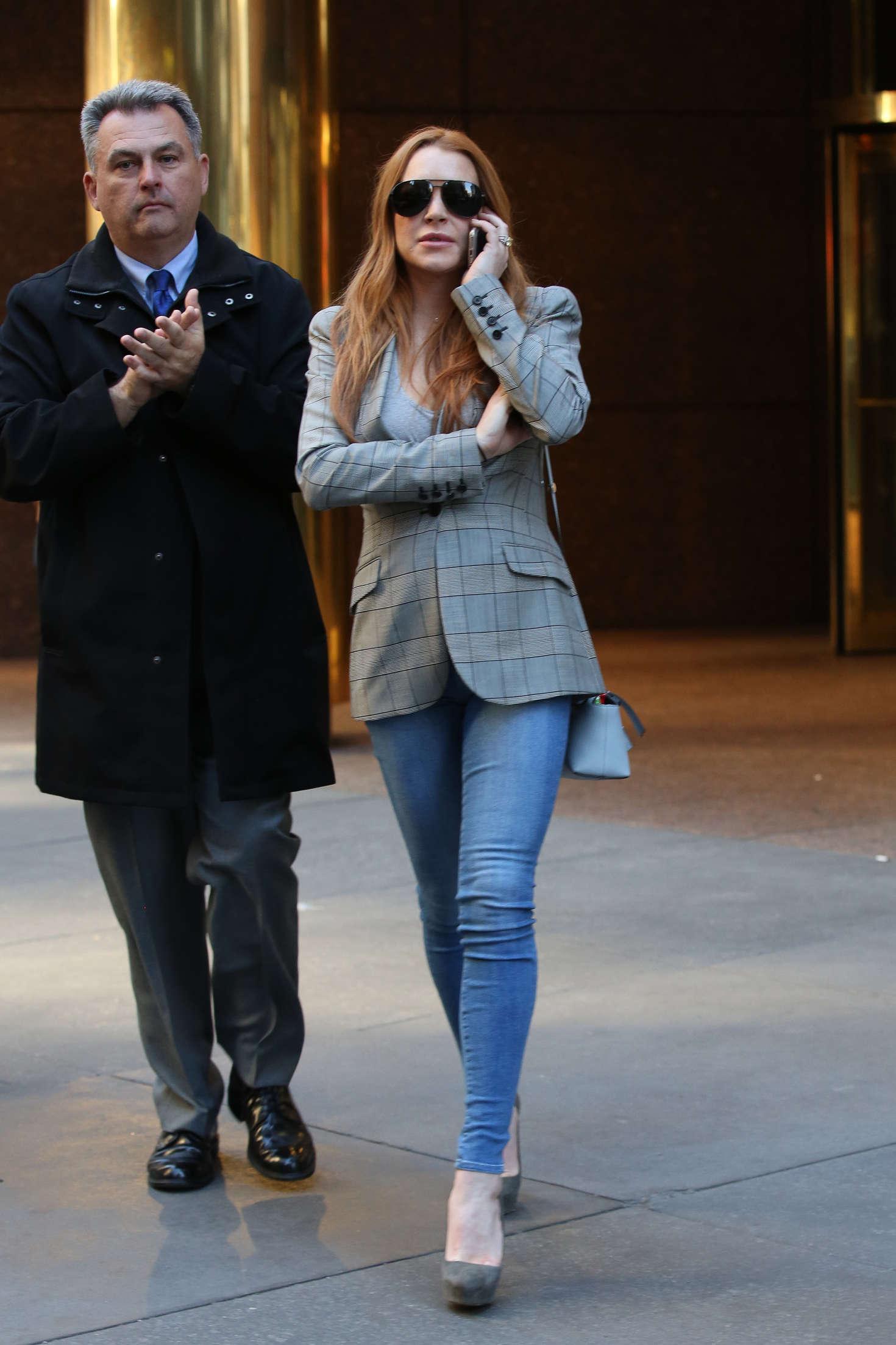 Lindsay Lohan 2016 : Lindsay Lohan on upper east side in New York -01