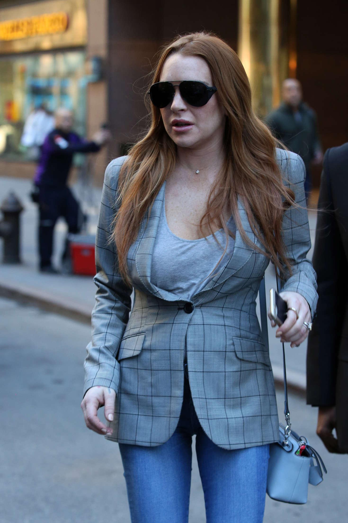 Lindsay Lohan 2016 : Lindsay Lohan on upper east side in New York -04