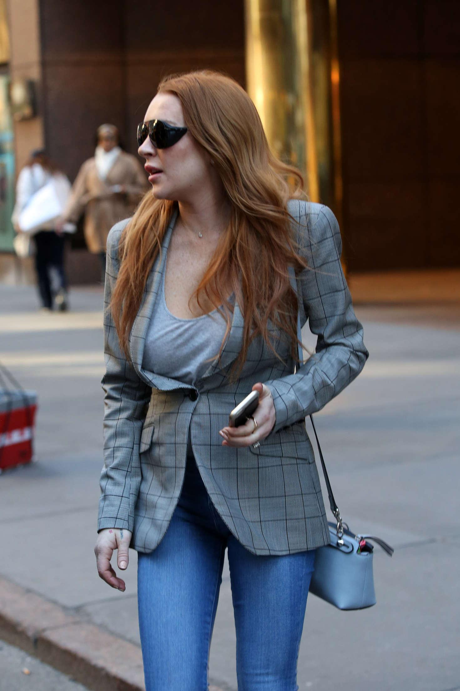 Lindsay Lohan 2016 : Lindsay Lohan on upper east side in New York -05