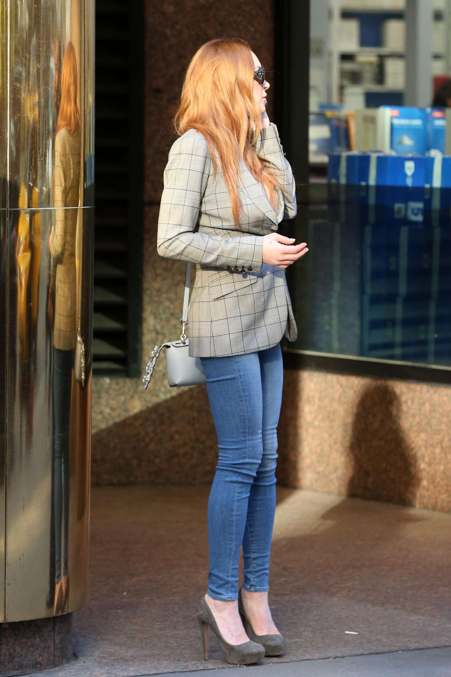 Lindsay Lohan 2016 : Lindsay Lohan on upper east side in New York -07