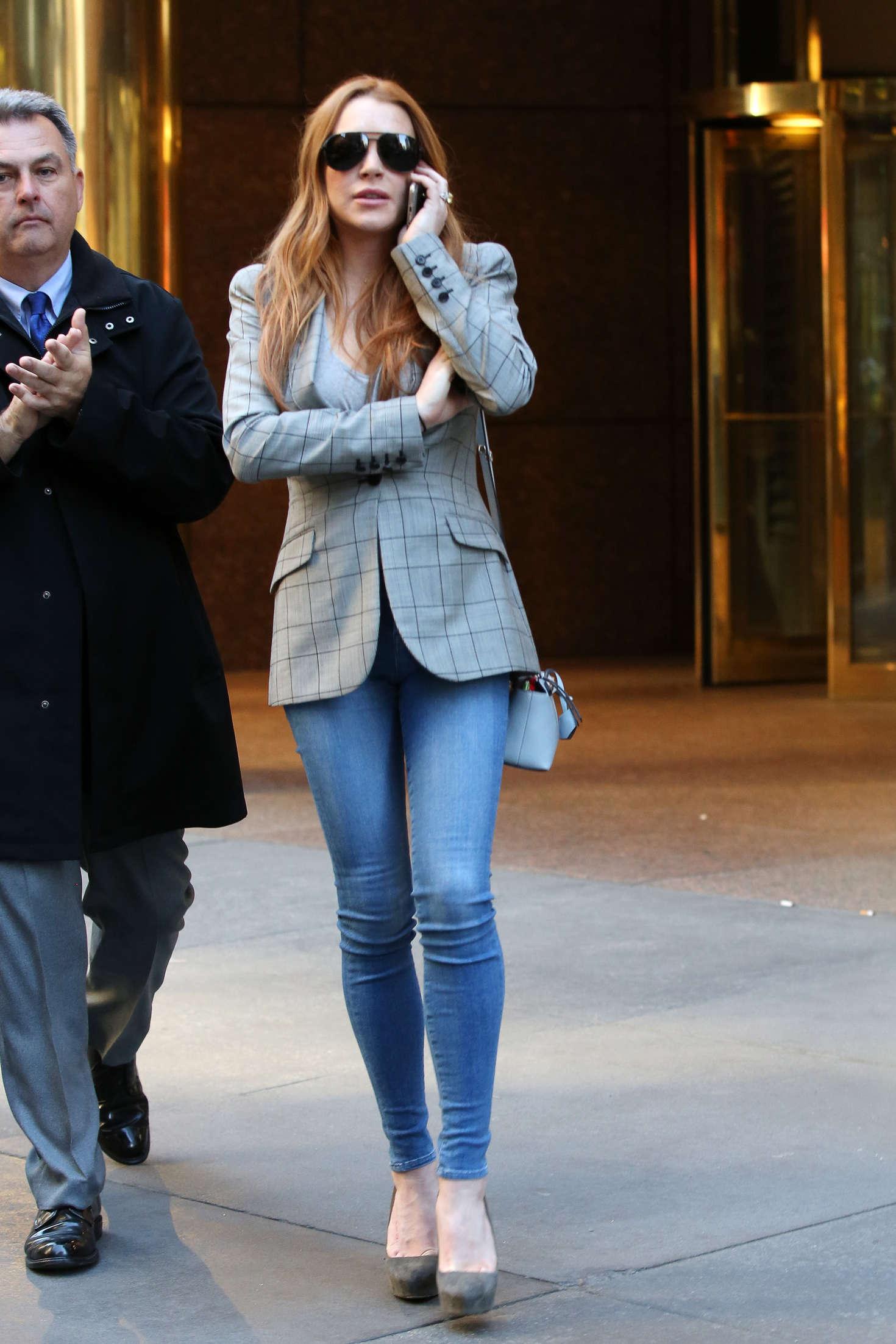Lindsay Lohan 2016 : Lindsay Lohan on upper east side in New York -12
