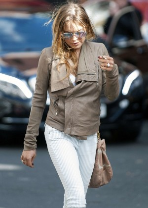 Lindsay Lohan in Tight Pants Out in London