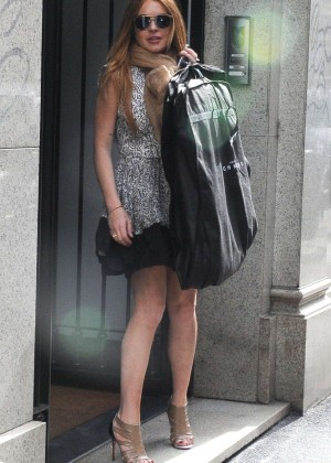 Lindsay Lohan - Shopping in Milan