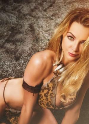 Lindsey Pelas: Jungle Girl Photoshoot 2015 -04