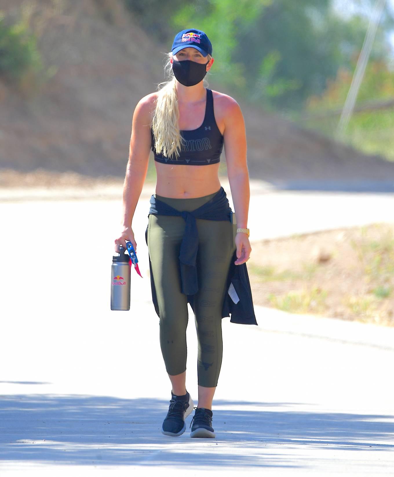 Lindsey Vonn - Hiking in Los Angeles