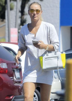 Lindsey Vonn Shopping in Los Angeles