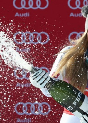 Lindsey Vonn - World Cup Downhill Win Record in Cortina