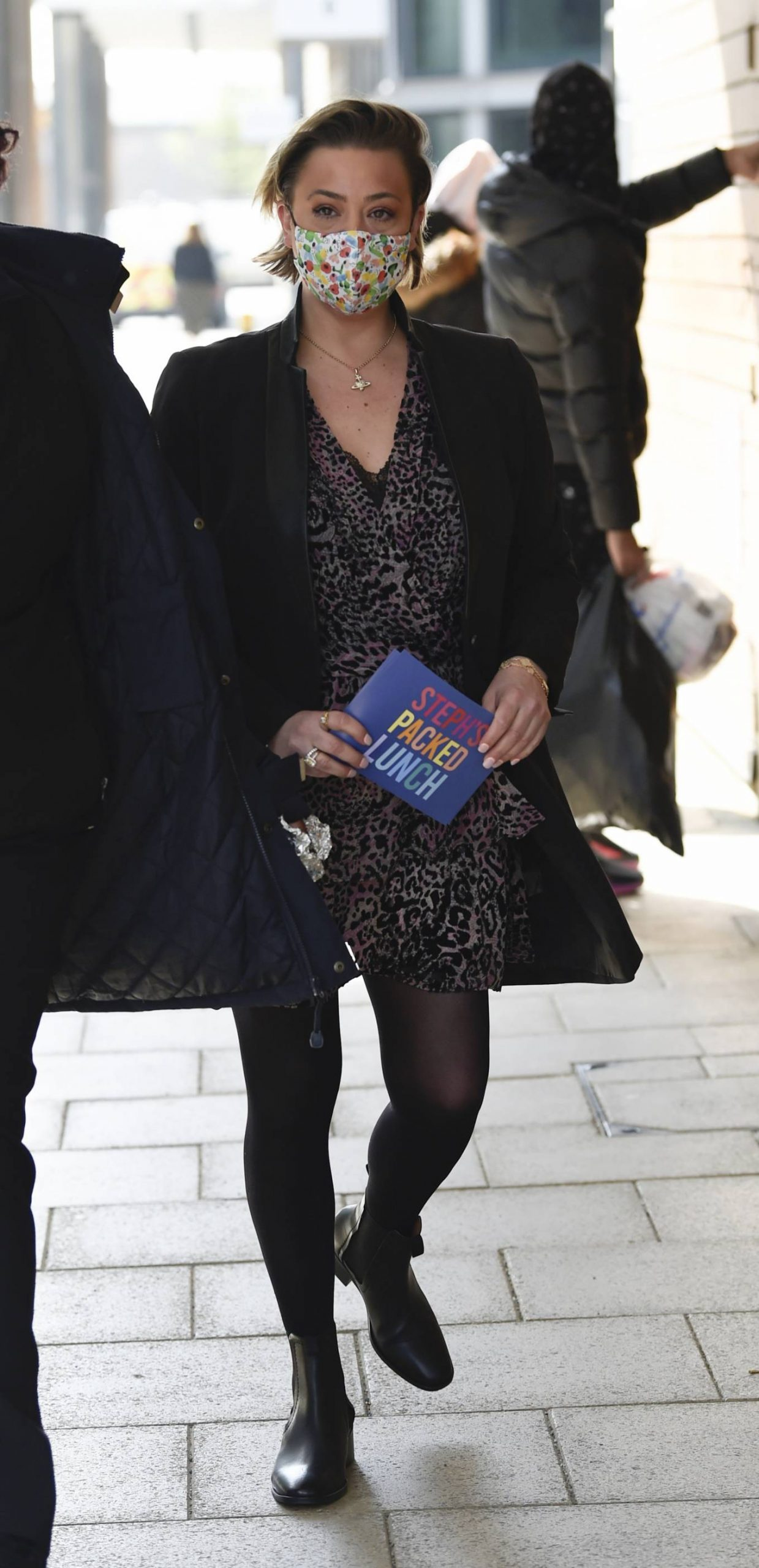 Lisa Armstrong - Spotted at Stephs Packed lunch in Leeds