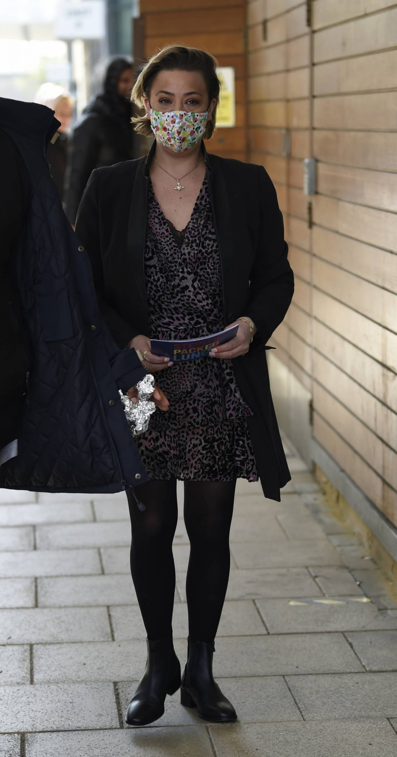 Lisa Armstrong 2021 : Lisa Armstrong – Spotted at Stephs Packed lunch in Leeds-09