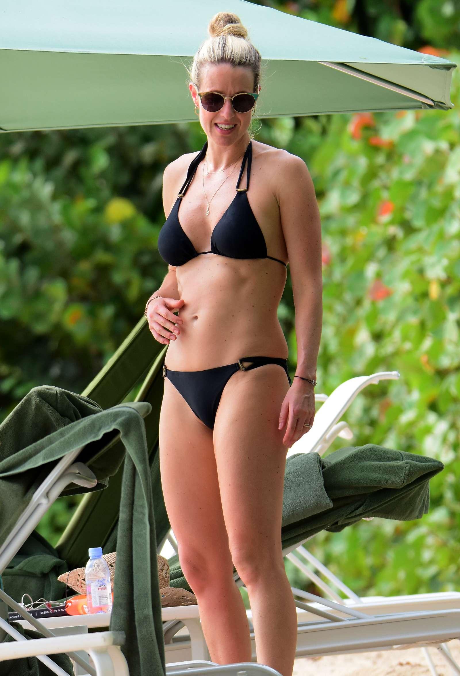 Jennifer Aniston Stuns In Sexy Black Bikini With Courteney Cox On Sun Break In Mexico