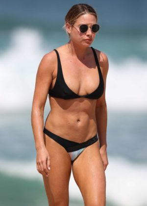 Lisa Clark - Bikini candids at a Sydney beach