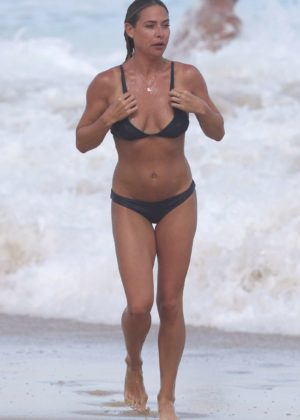 Lisa Clark in Black Bikini on a beach in Sydney Pic 4 of 35