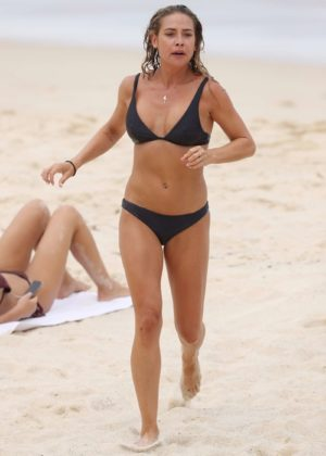 Lisa Clark in Black Bikini on a beach in Sydney Pic 32 of 35