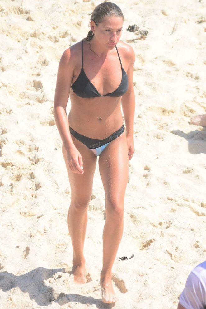 Lisa Clark in Black Bikini on the beach in Tamarama