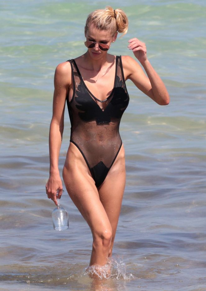 Lisa Hochstein in Black Swimsuit at Miami Beach
