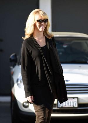 Lisa Kudrow - Leaves Meche Salon in Beverly Hills
