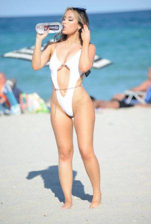 Lisa L. Opie - In a white swimsuit at Miami Beach