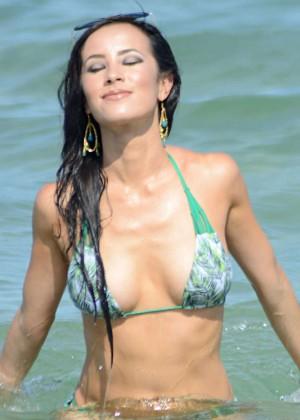 Lisa Opie Hot in Bikini -03