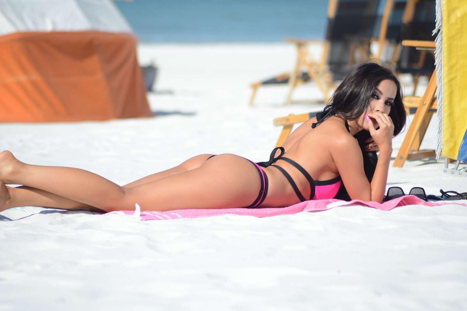 Lisa Opie 2016 : Lisa Opie in Pink Bikini 2016 -12