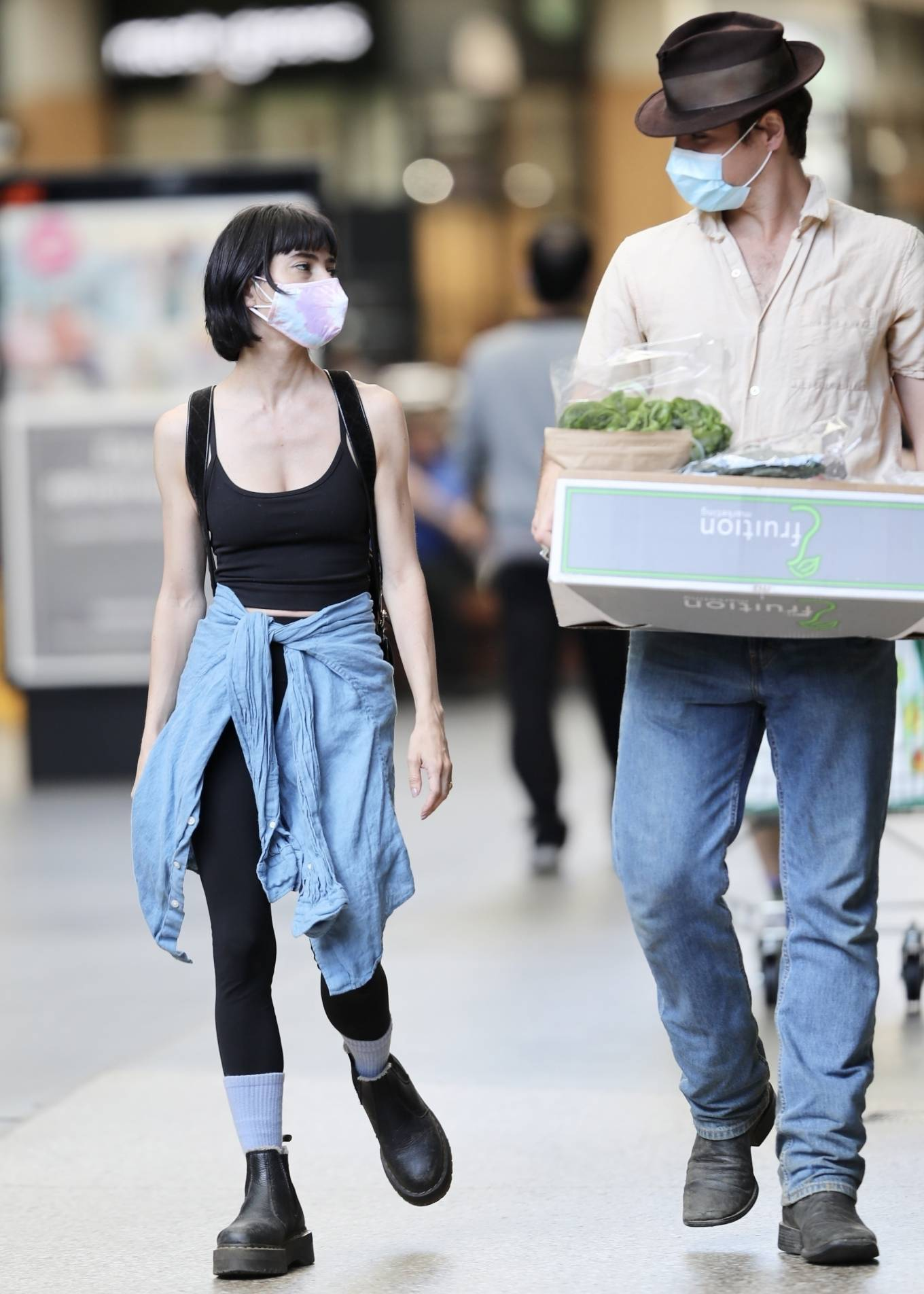Lisa Origliasso - Spotted at Gasworks Plaza
