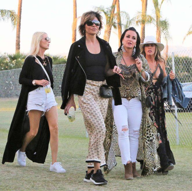 cf2cc3166e3 Lisa Rinna and Kyle Richards  2018 Coachella -11 – GotCeleb
