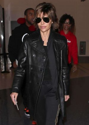 Lisa Rinna - Arriving at LAX Airport in Los Angeles