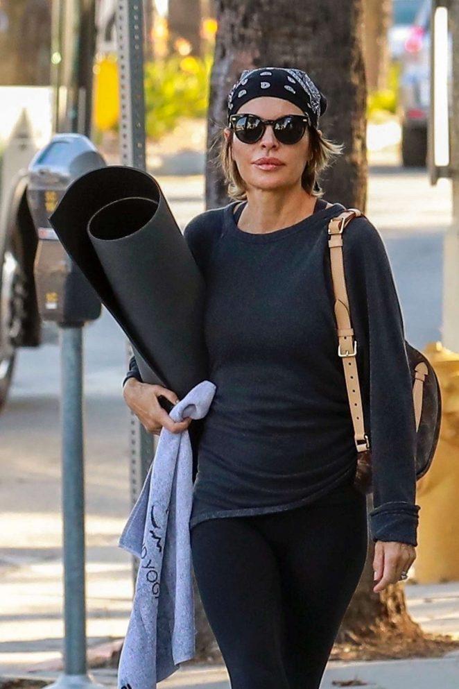 Lisa Rinna – Heads to yoga class in Studio City