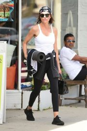 Lisa Rinna - Leaves a yoga class at Electric Soul Yoga in Studio City