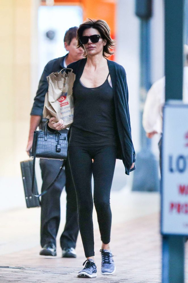 Lisa Rinna: Leaving Rite Aid -03