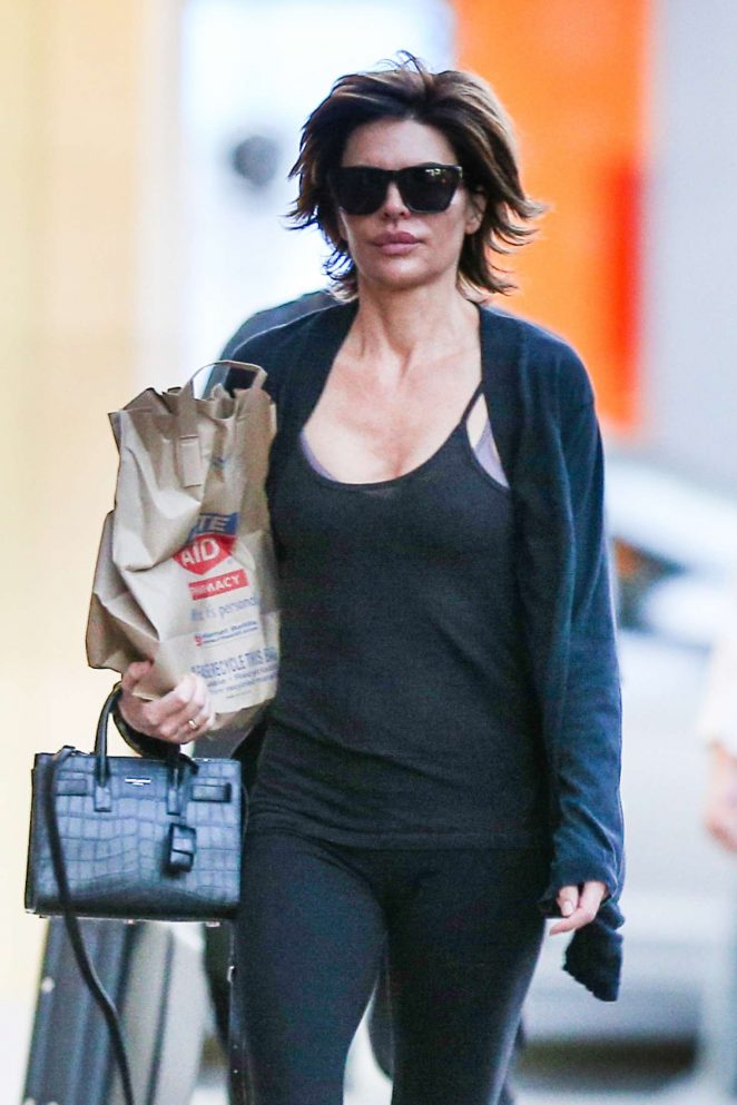 Lisa Rinna: Leaving Rite Aid -04