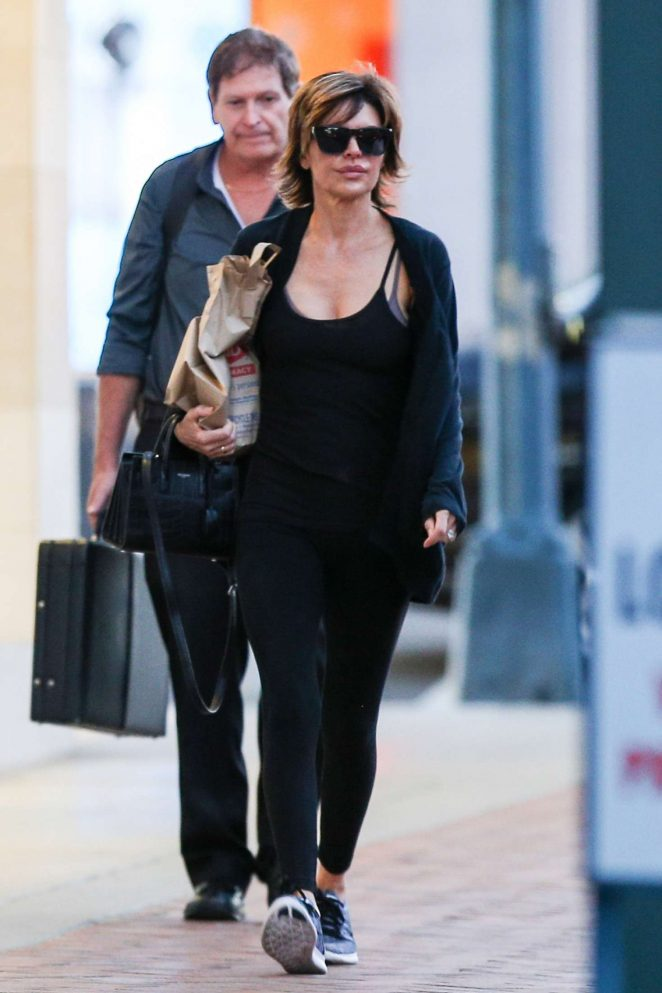 Lisa Rinna: Leaving Rite Aid -06