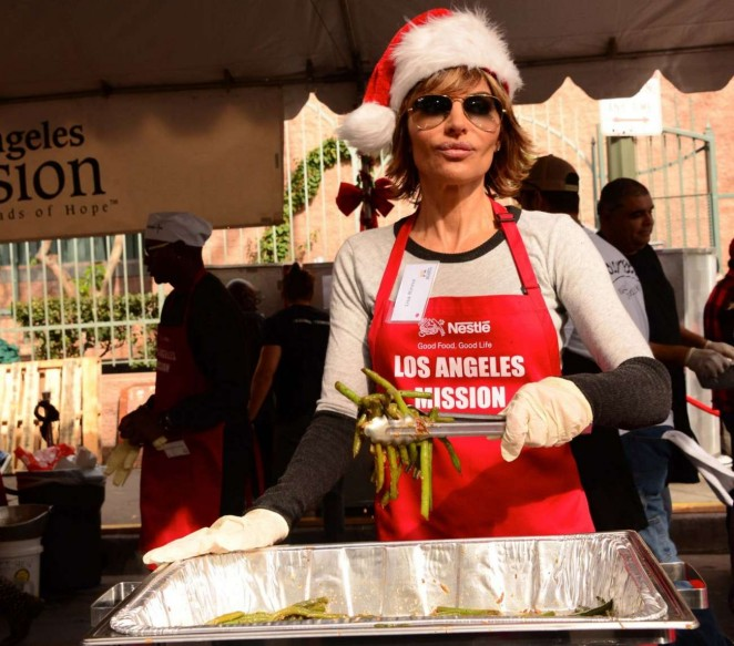 Lisa Rinna - Los Angeles Mission Christmas Dinner