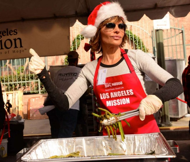 Lisa Rinna: Los Angeles Mission Christmas Dinner -10