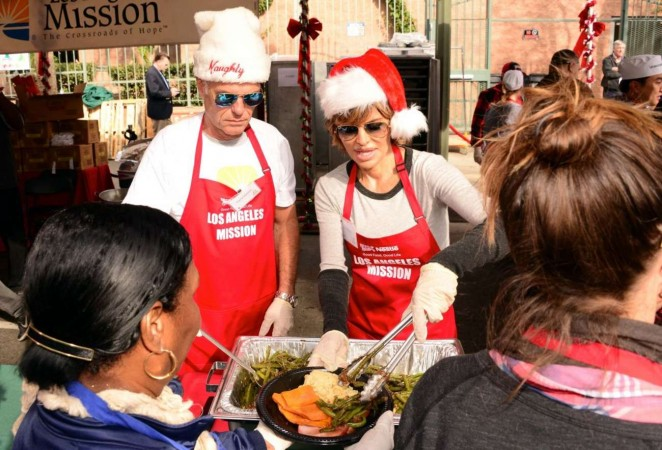 Lisa Rinna: Los Angeles Mission Christmas Dinner -12