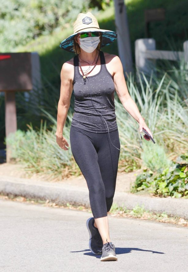 Lisa Rinna - Out for walk in Studio City