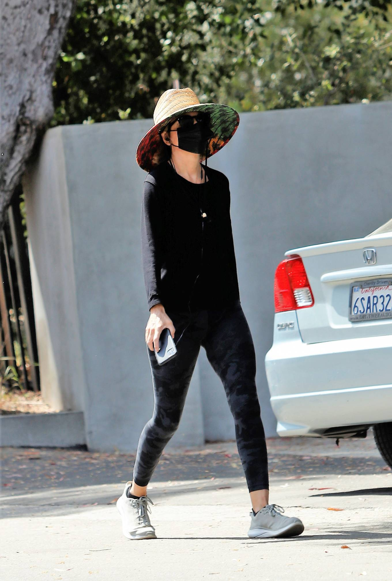 Lisa Rinna - Out in Los Angeles
