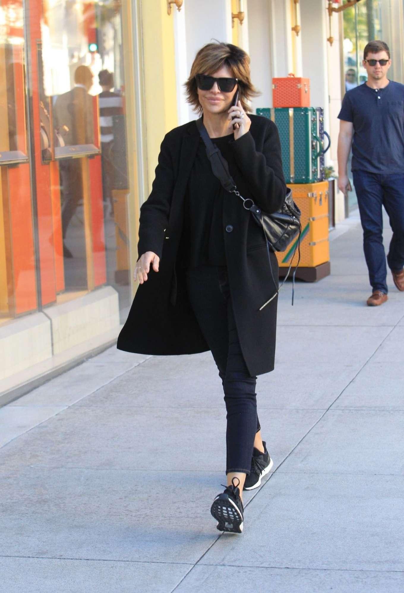 Lisa Rinna 2018 : Lisa Rinna: Shopping on Rodeo Drive -05