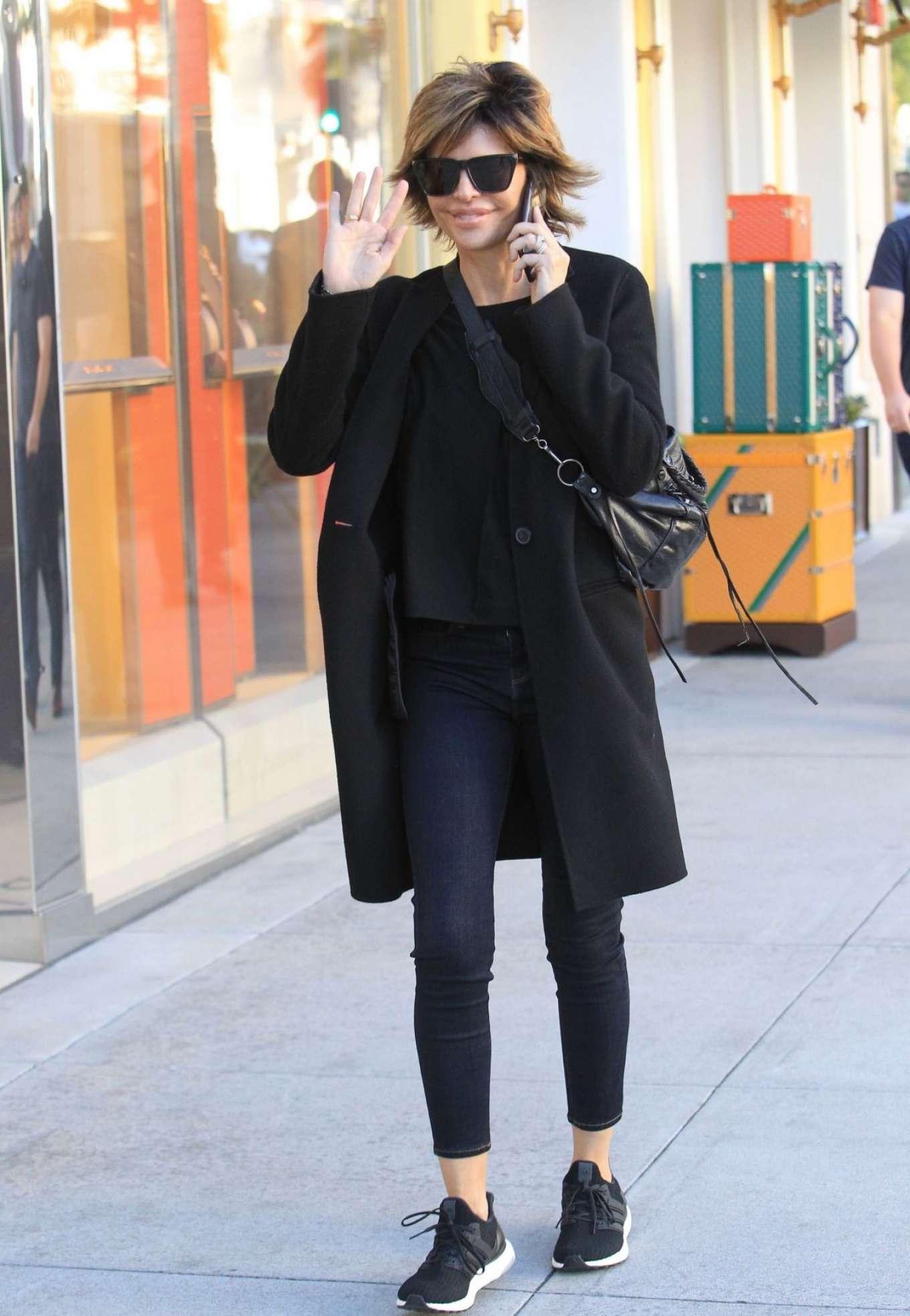 Lisa Rinna 2018 : Lisa Rinna: Shopping on Rodeo Drive -07