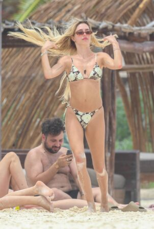 Lisa Rinna - With Harry Hamlin and Delilah Hamlin and Eyal Booker at Tulum resort in Mexico