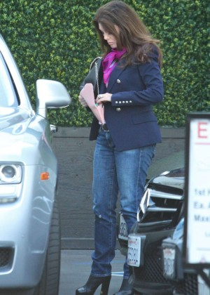 Lisa Vanderpump in Jeans -04