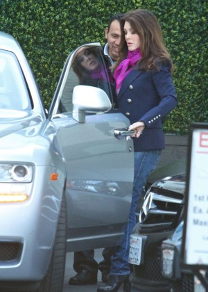 Lisa Vanderpump in Jeans -06