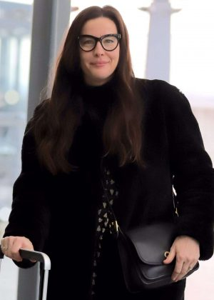 Liv Tyler - Arrives at Heathrow Airport in London