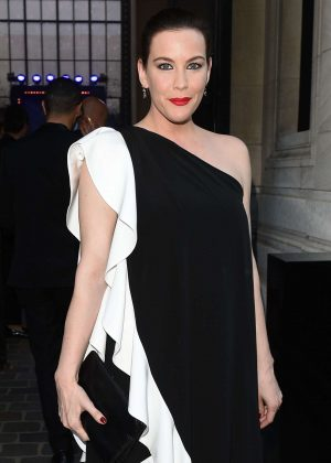 Liv Tyler - Arriving at Vogue Dinner Party in Paris