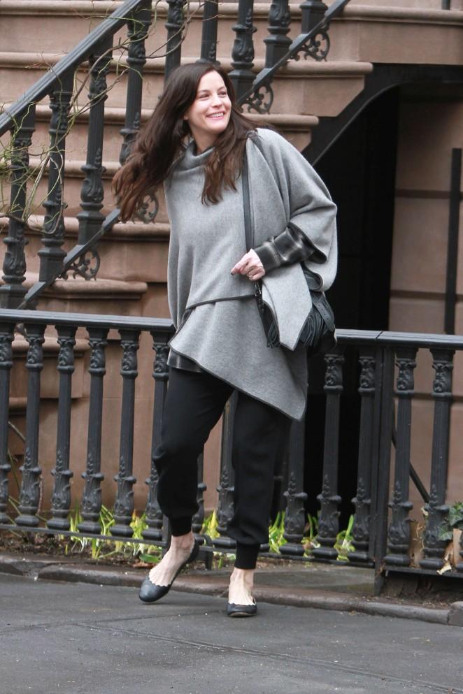 Liv Tyler: Leaving her home -01 - GotCeleb