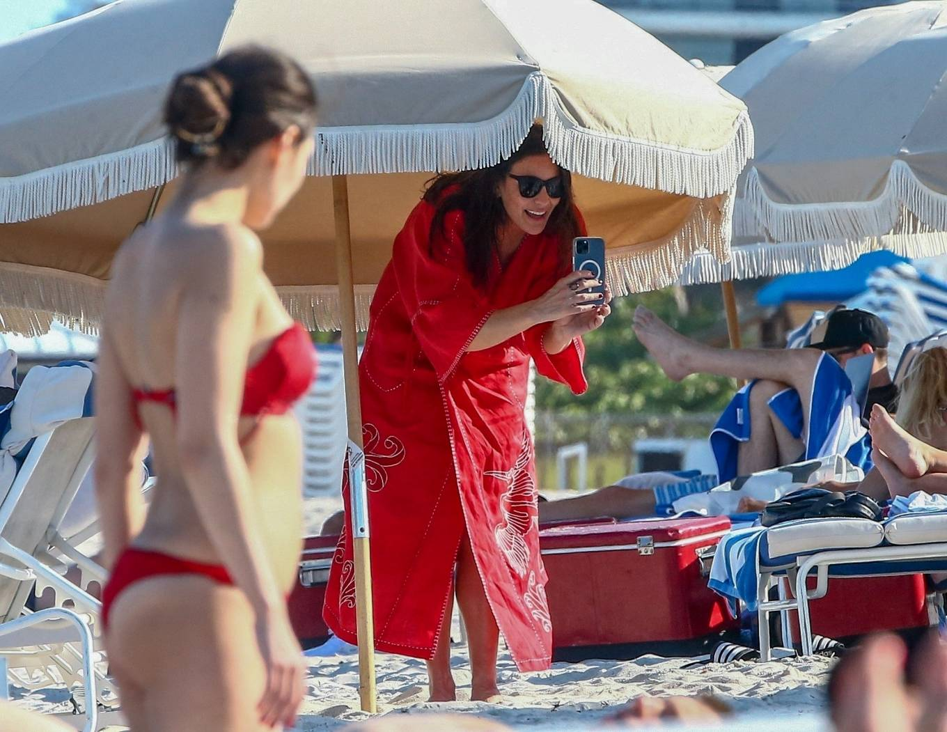Liv Tyler - Seen at the beach with family in Miami Beach