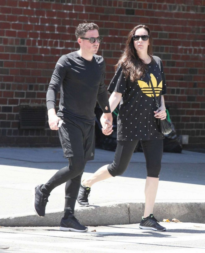Liv Tyler With Dave Gardner Shopping in West Village