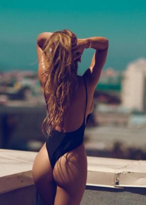 Livia Gullo: 50 Hottest Pics-04